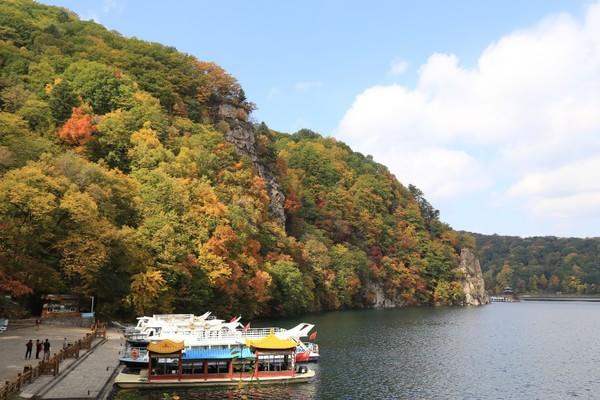 龙湾湖风景区怎么走